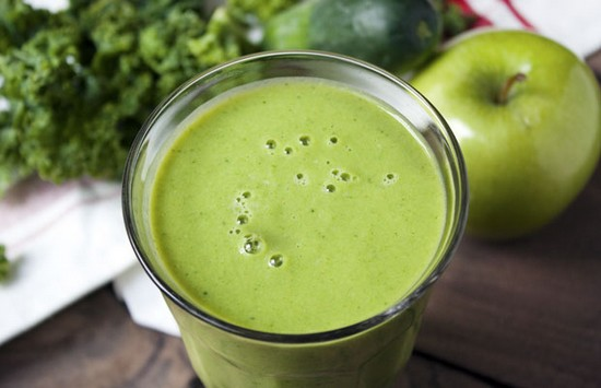 Apple and Kale Smoothie