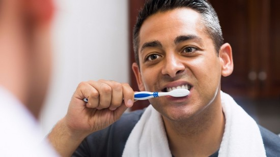 brushing teeth after food or drink for men
